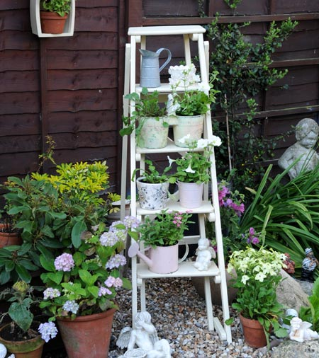 Shabby chic garden planters home safe 10 perfect small garden ideas that will make your house more workwithnaturefo