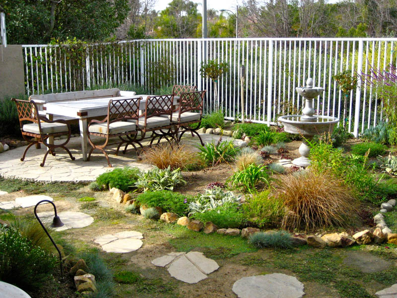 inexpensive landscaping ideas for your dream backyard interiorsherpa