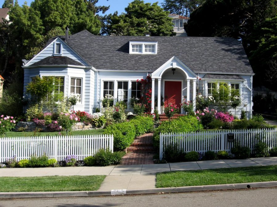 front yard landscaping ideas with fence