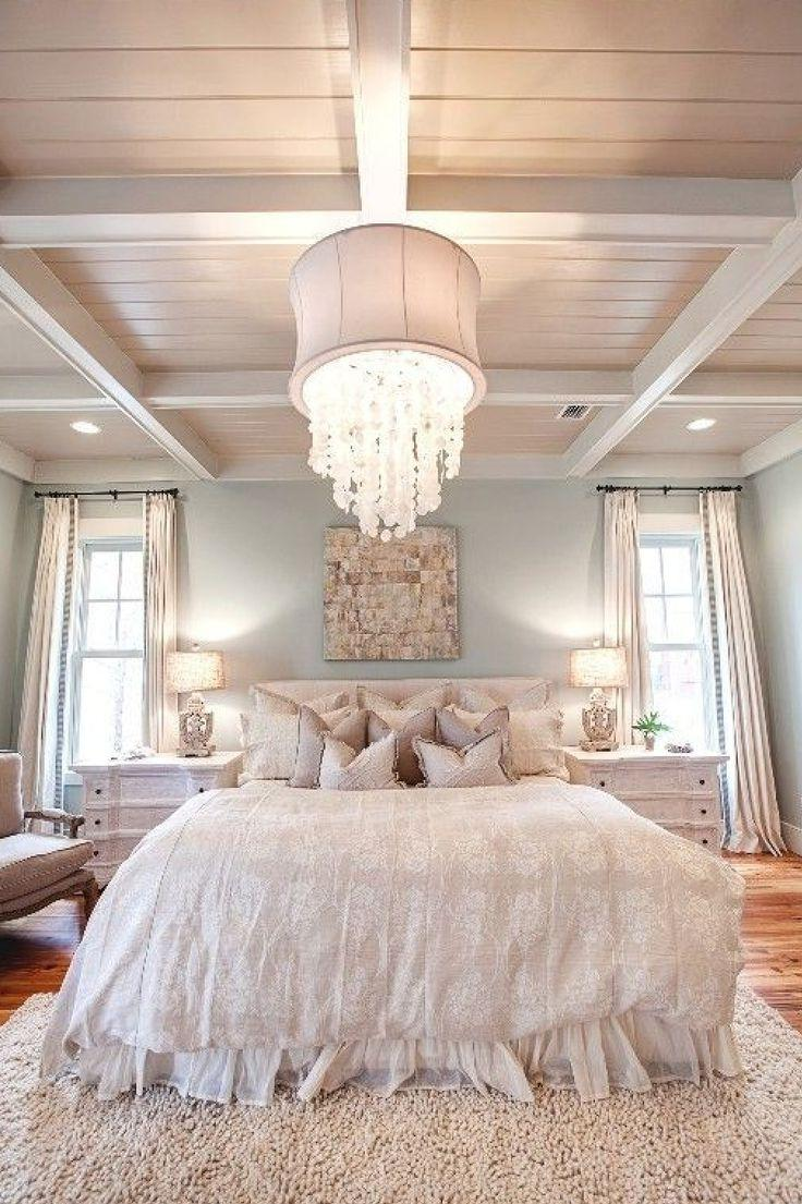 high-ceiling-bedroom-decoration