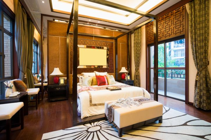 rich-dark-master-bedroom