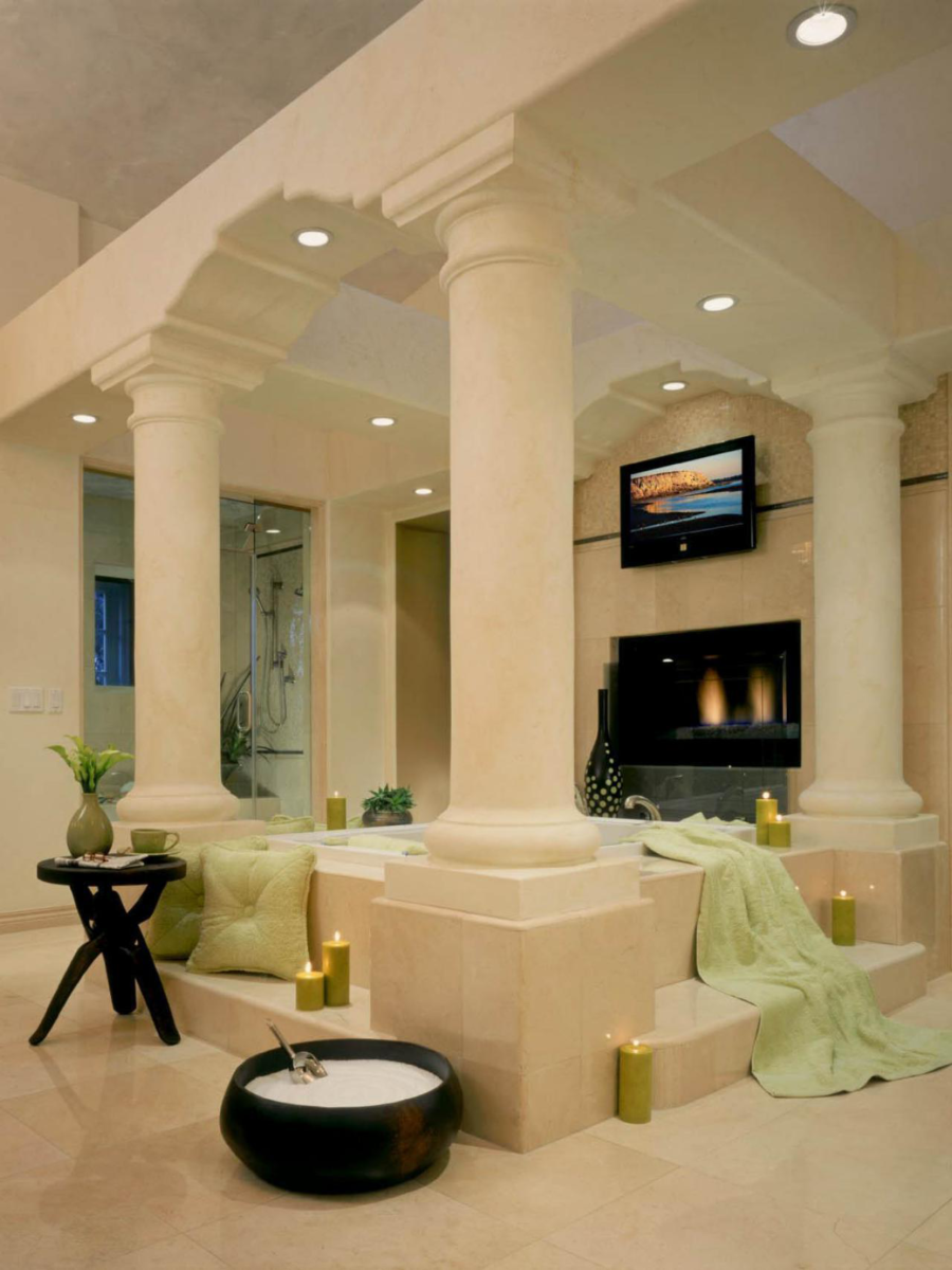 Roman Detailed Bathroom