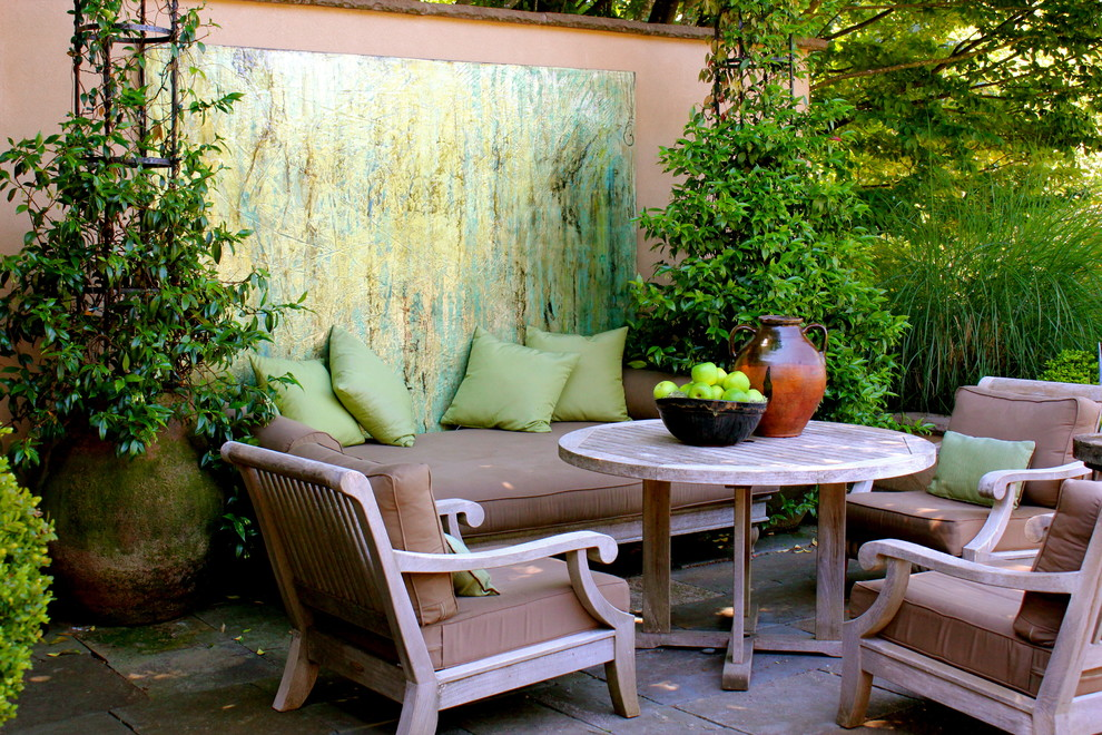 make your art the center stage - Patio Wall Design