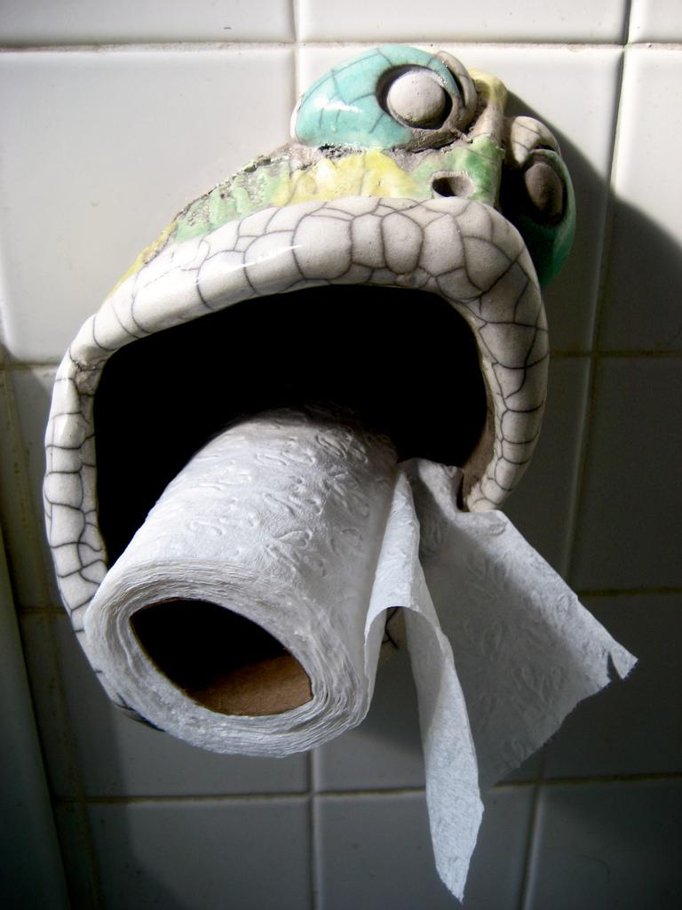 Artistic-Toilet-paper-Stand-Ideas