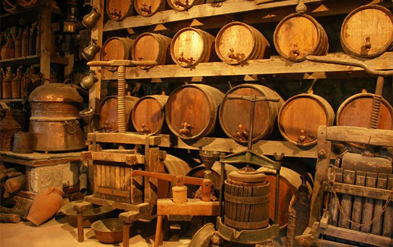 Humble And Warm Rustic Traditional Wine Cellar Ideas. Rustic Traditional Wine  Cellar Design