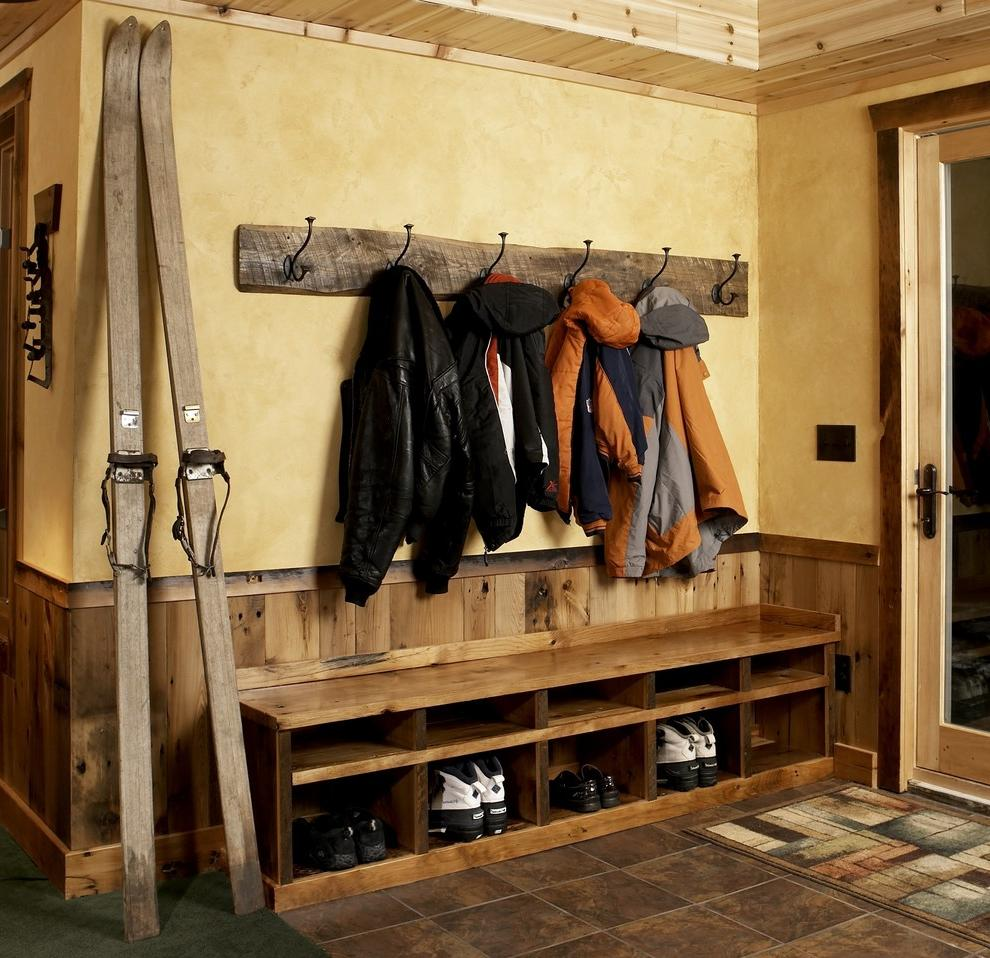 Rustic-entryway-design-ideas-with-Great-coat-hooks-Cubby