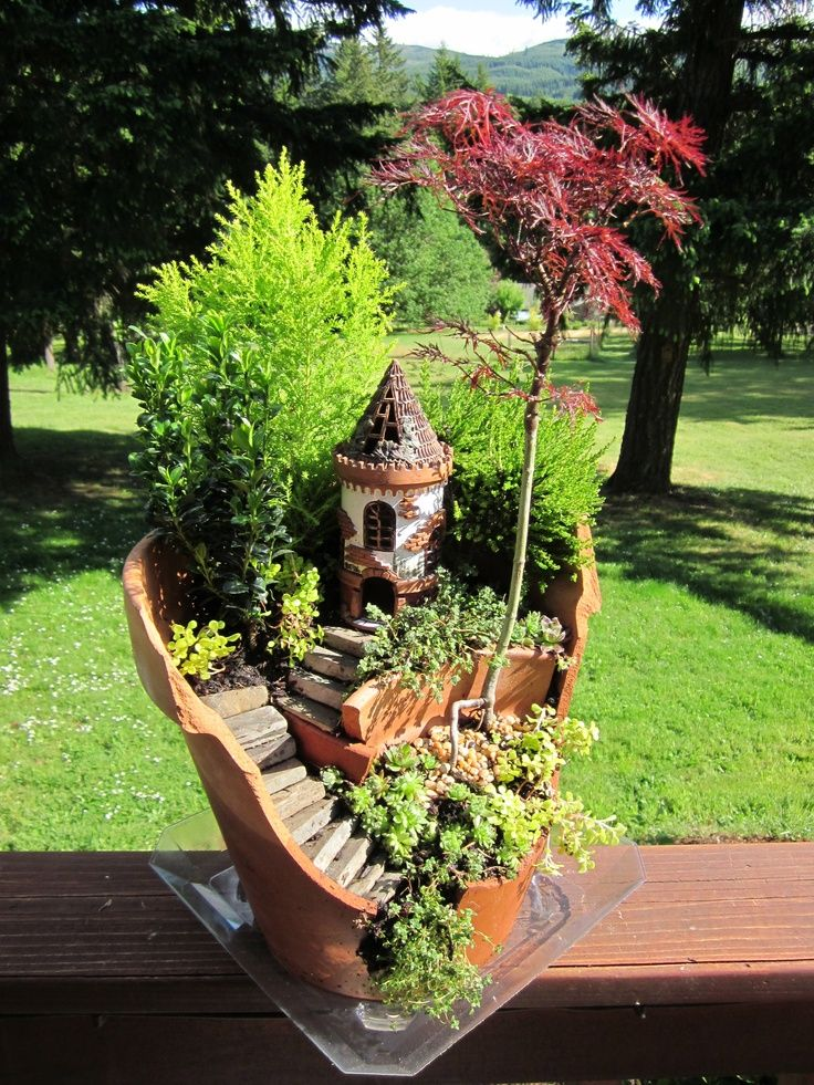 Castle Design In A Pot. Another Idea For Landscaping Your Garden ...