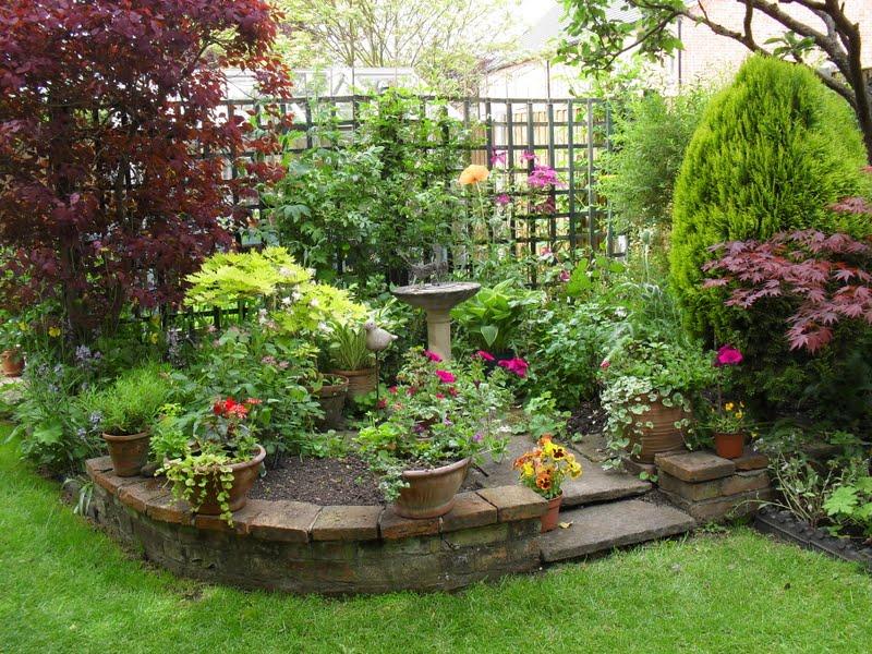 Corners Gardening Idea
