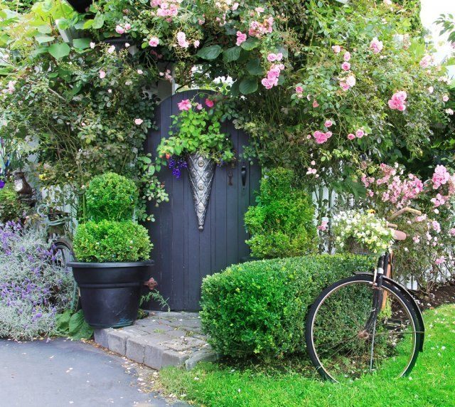 Fences and Gates for Cottage Garden