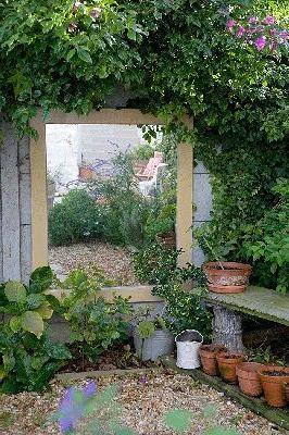 mirror-garden-design-ideas