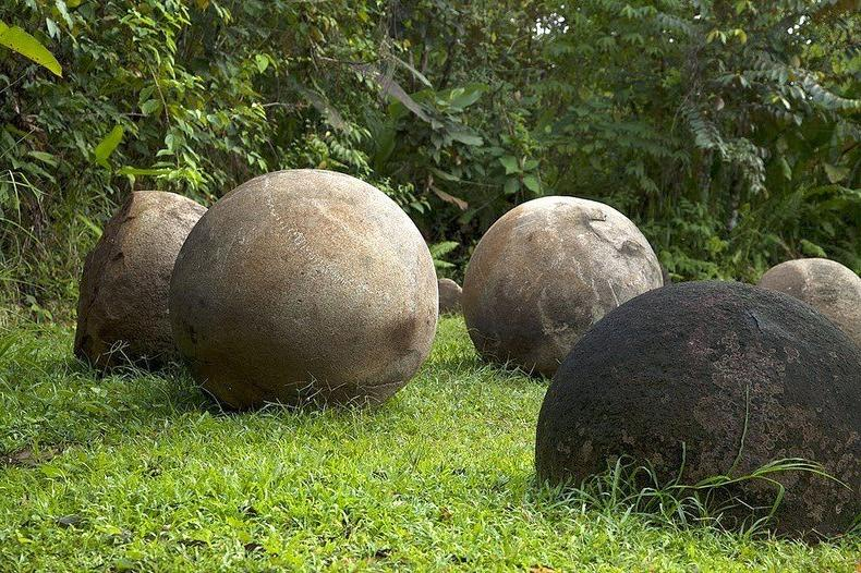 rock-balls-gardening-ideas