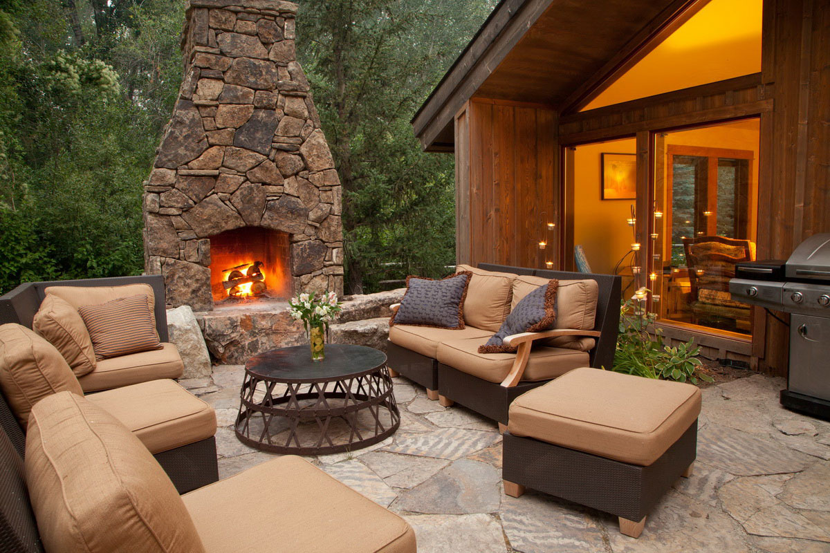 The indoors effect design for outdoor fireplace