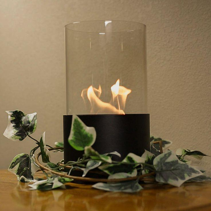 wreath-fireplace