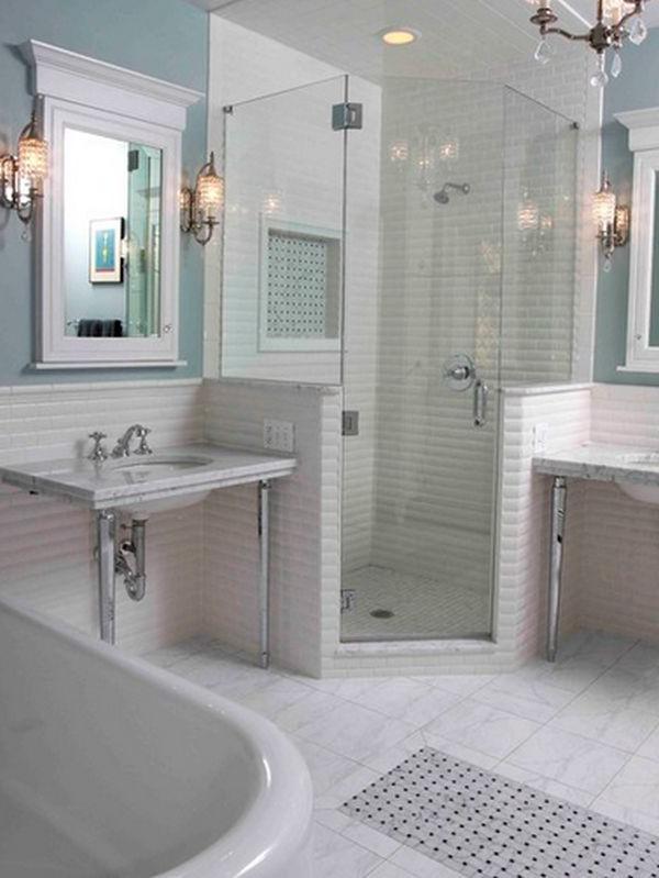 Corner Shower Space