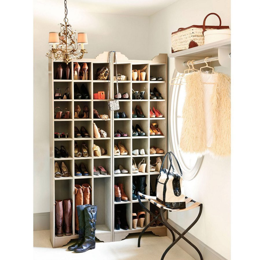 Conventional Cabinet For Shoe Display