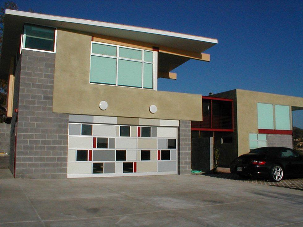 Modern Garage-Doors Design With Concrete Block -Wall