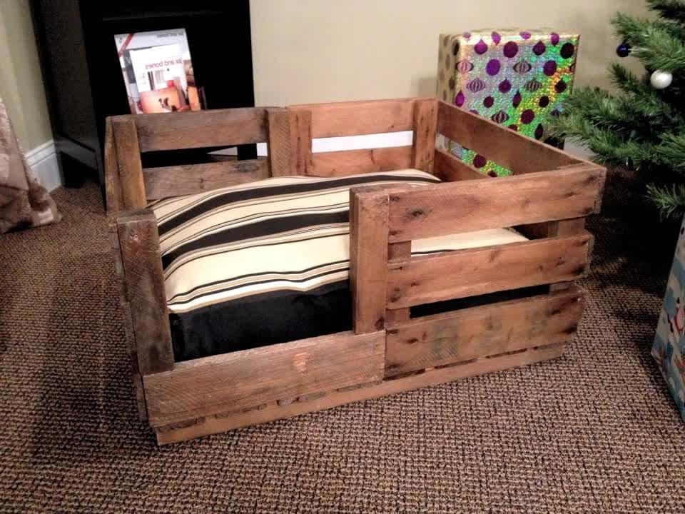 cushioned-wooden-pallet-dog-bed