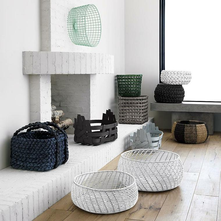 Baskets of different materials and shapes to decorate your home