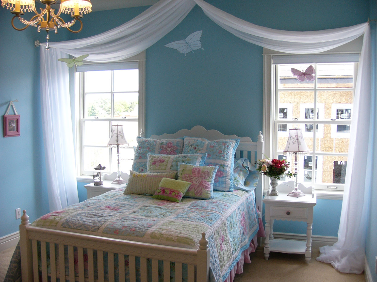 37 Unique and Super Colourful Bedroom Curtain Designs and ... on Bedroom Curtains Ideas  id=95428