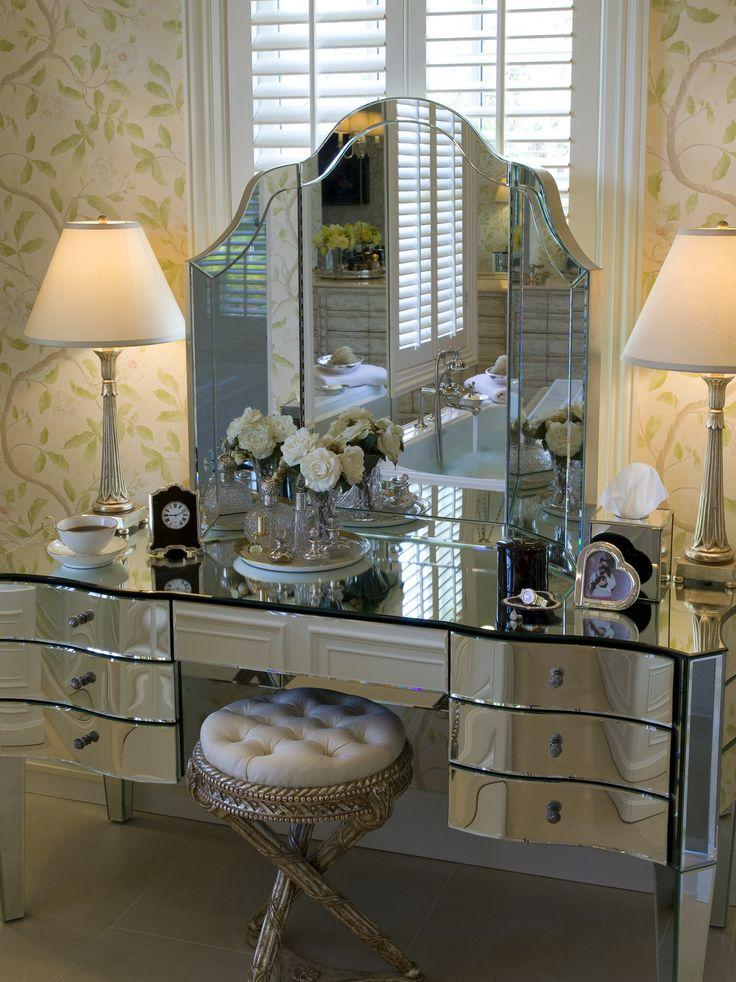 Mirrored Bedroom Furniture.