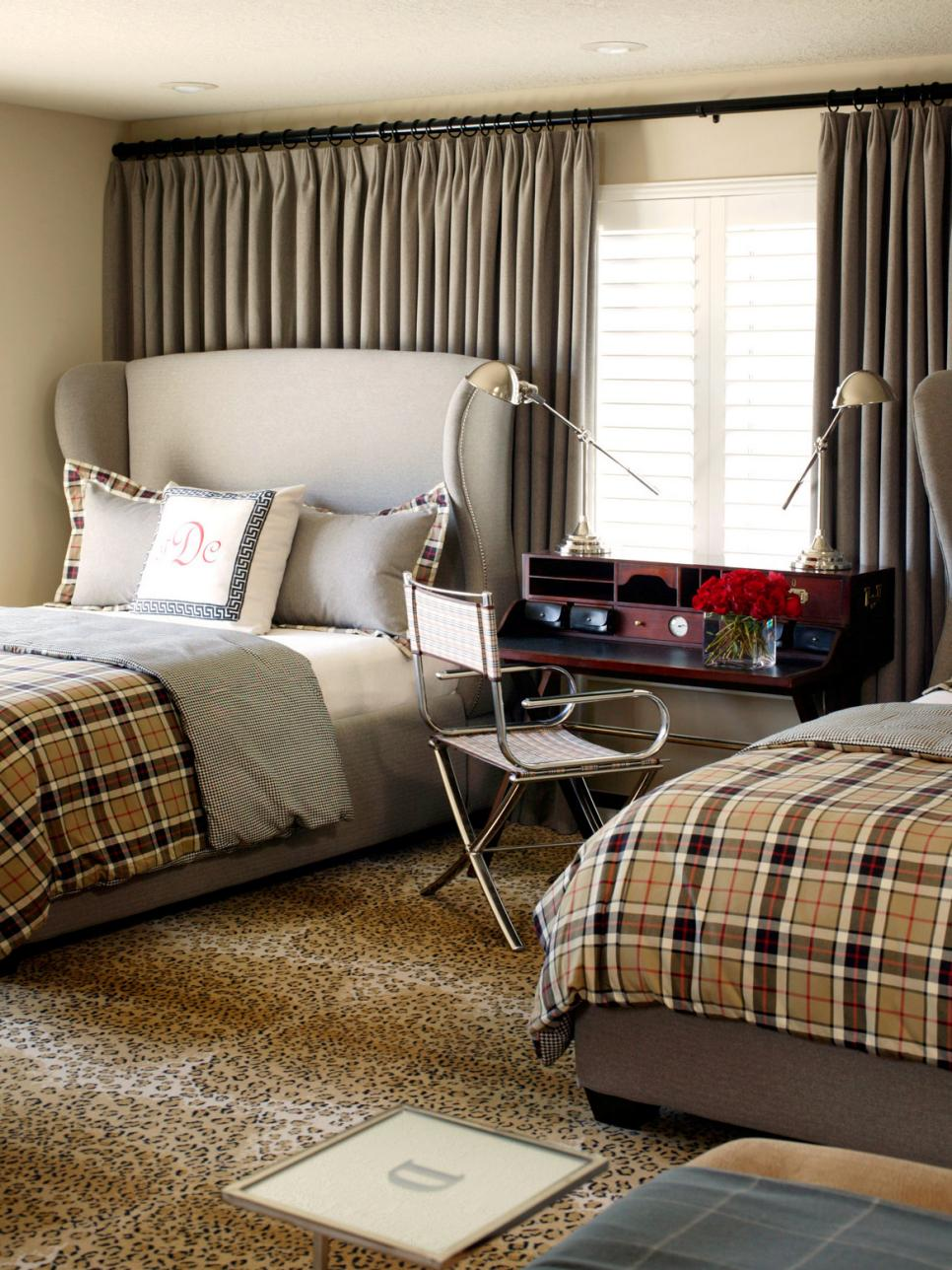 Neutral Traditional Bedroom Curtains