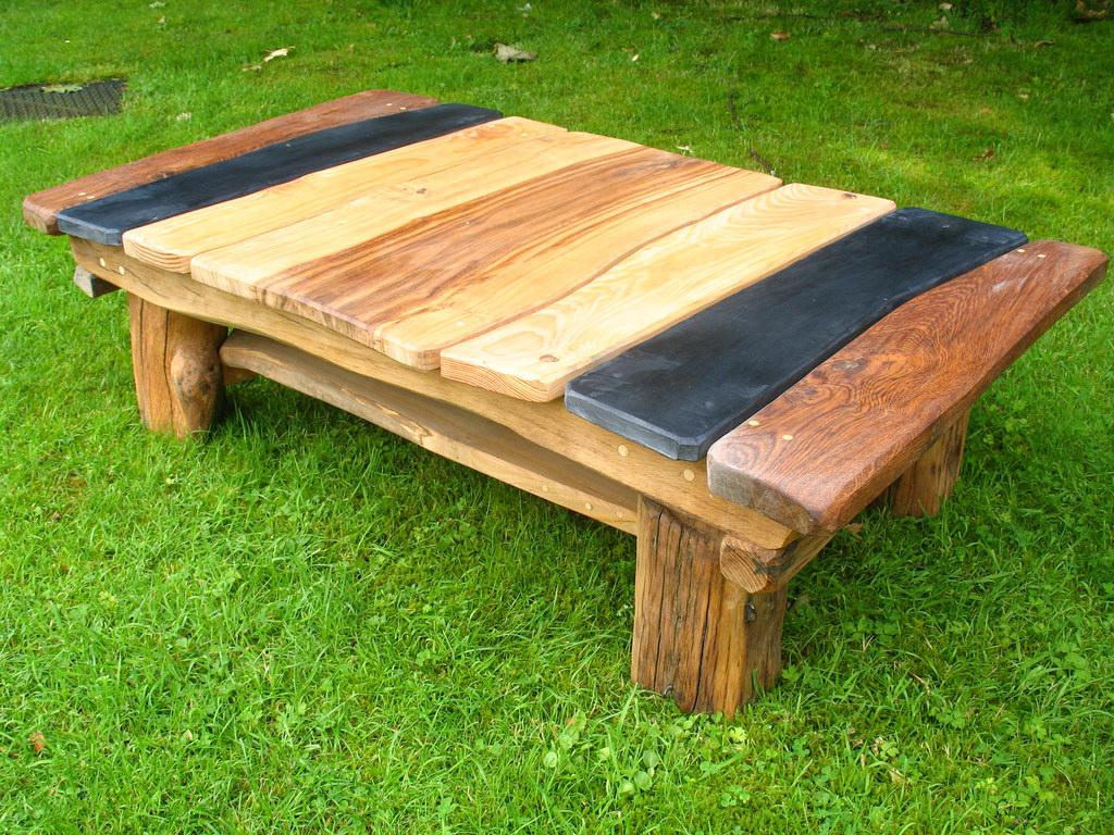 Rustic Outdoor Small Table Design