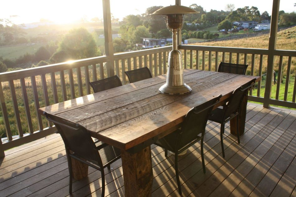 rustic outdoor dining set