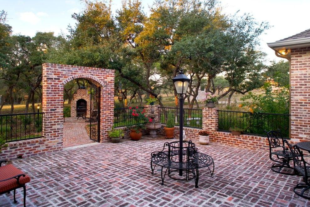 Courtyard in classical style with a brick fence