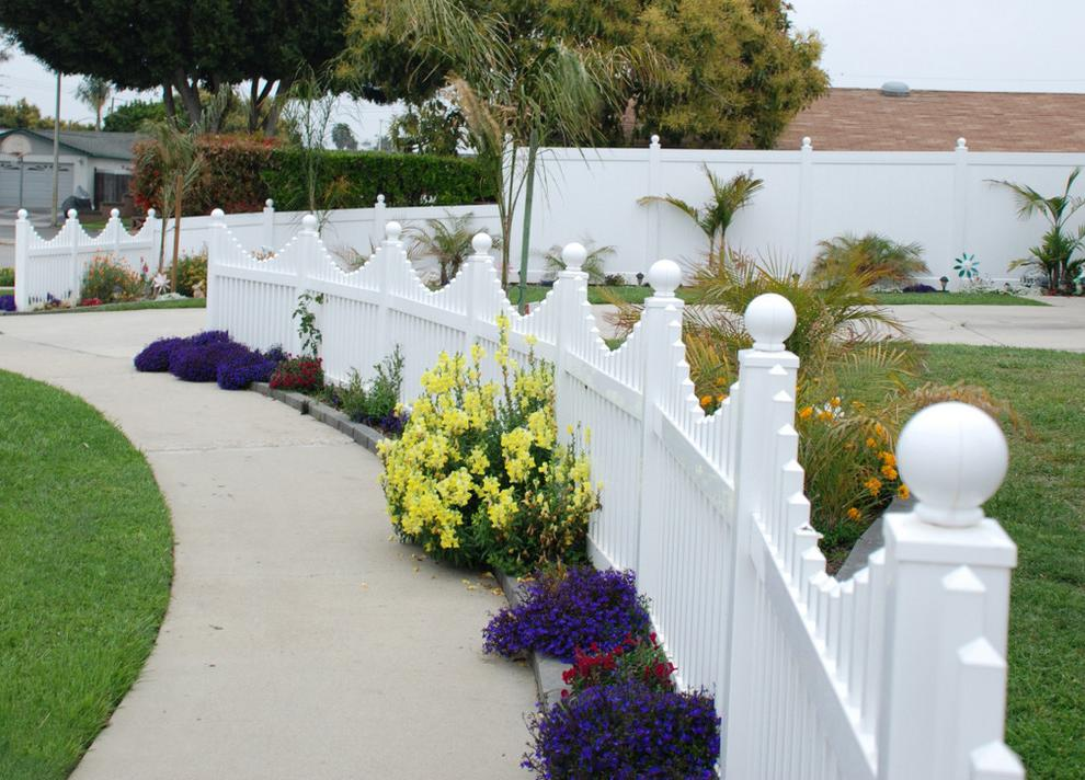 Fences for a private house can also be made of vinyl
