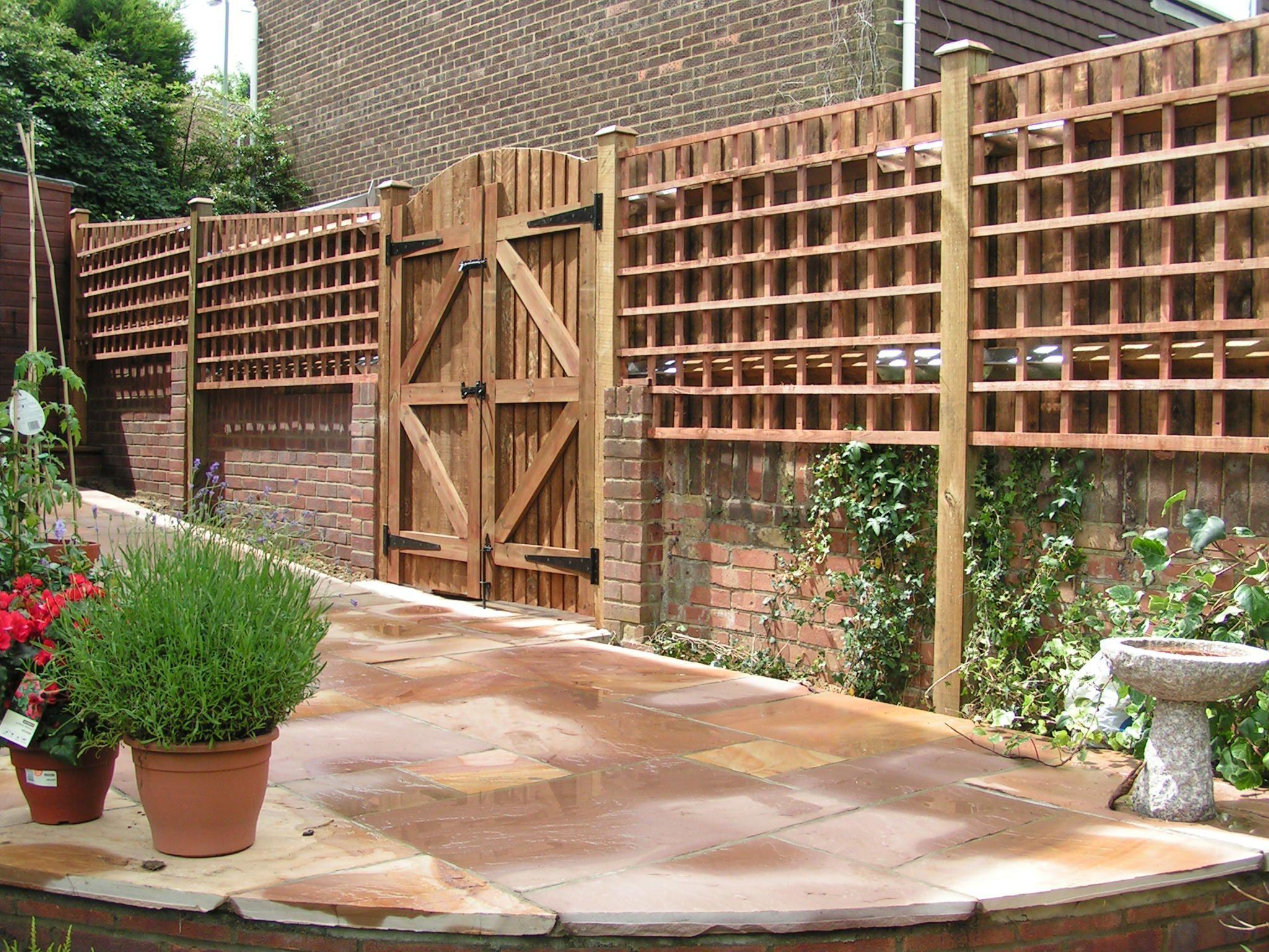 Fences made of bricks