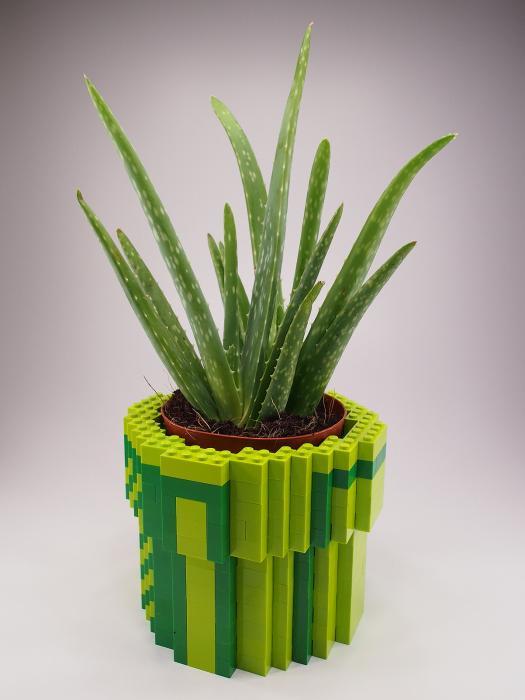 Lego-flower pot
