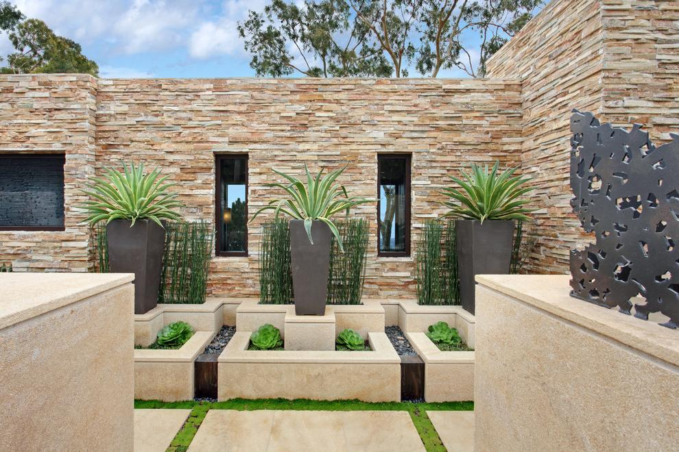 Luxurious light fence of decorative stone
