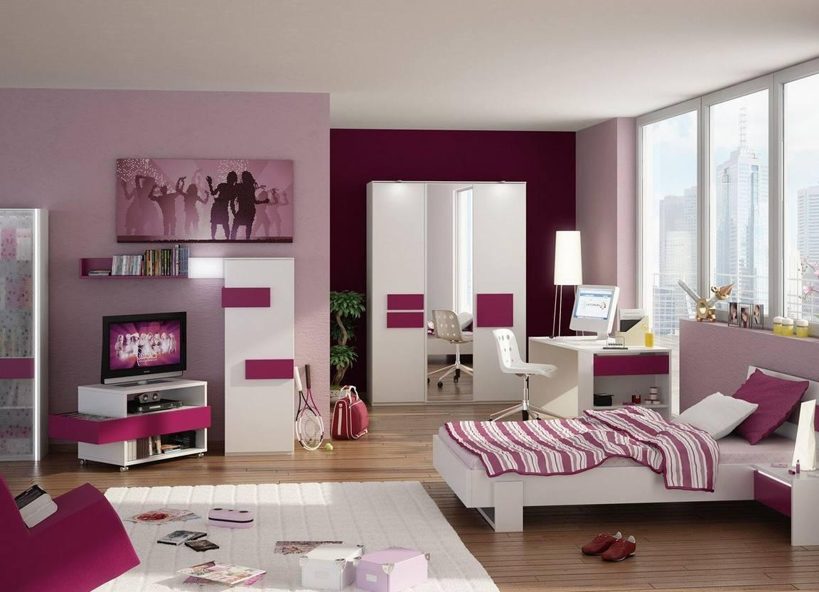 Spacious room for a girl