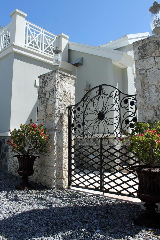 correct installation of forged gates