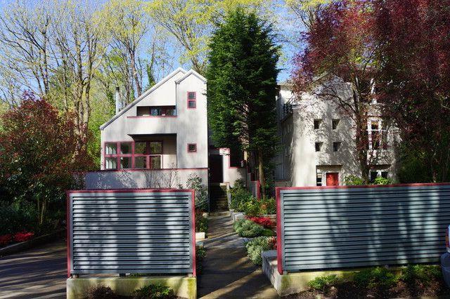 durable corrugated fences