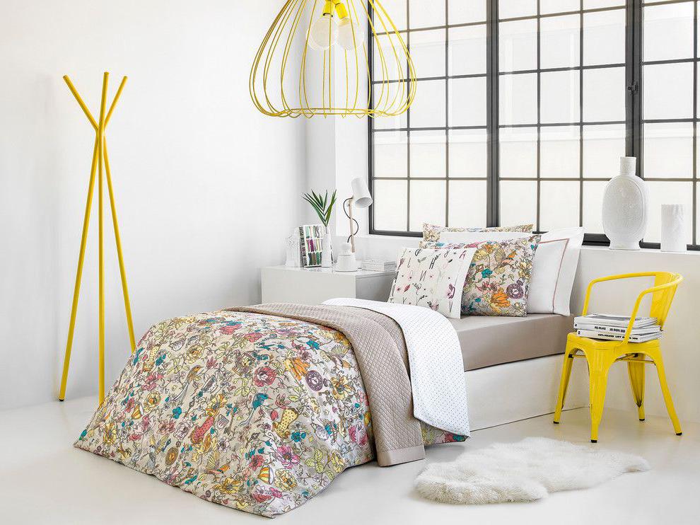 minimalistic bedroom for teen girl