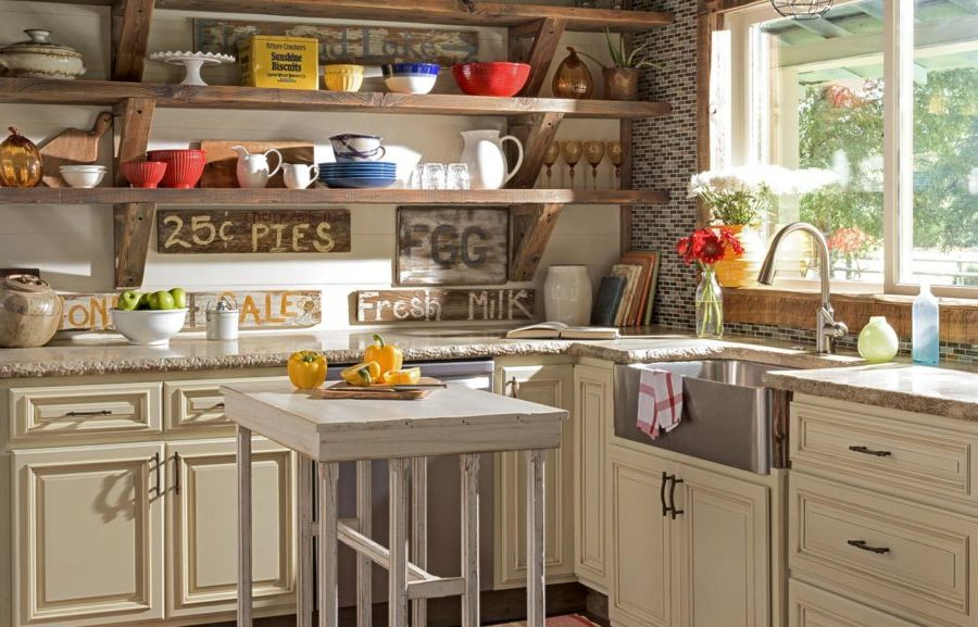 Old Rustic Farmhouse Kitchen Decoration