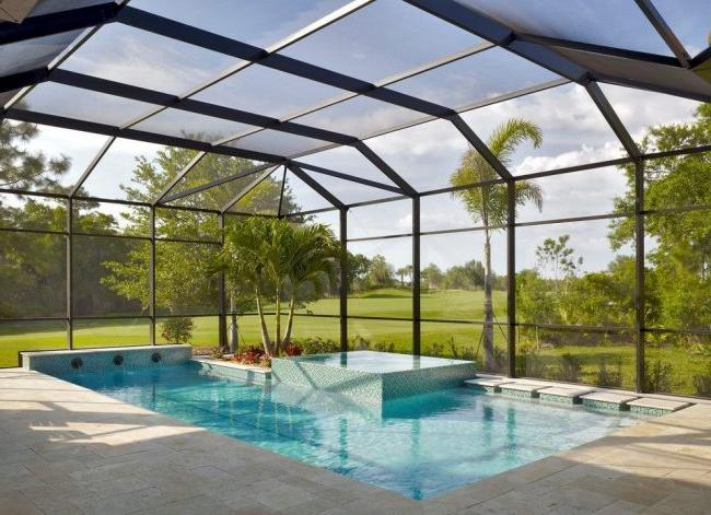 Canopy of polycarbonate above the pool and recreation area
