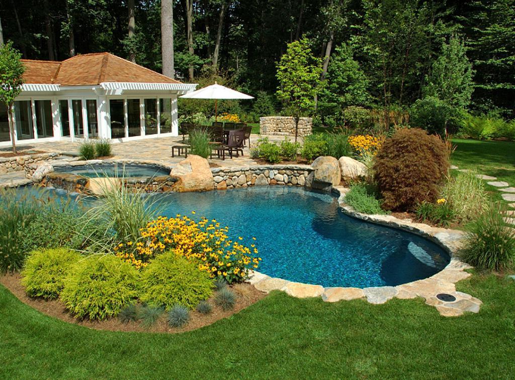 Small Backyard Pool Stone Edging