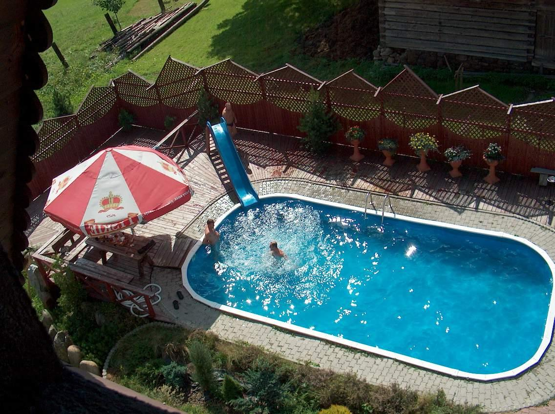 rectangular above ground backyard pool