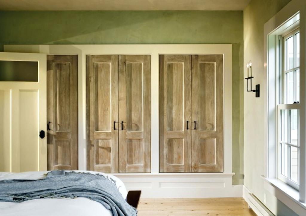 Small Built In Closet Design
