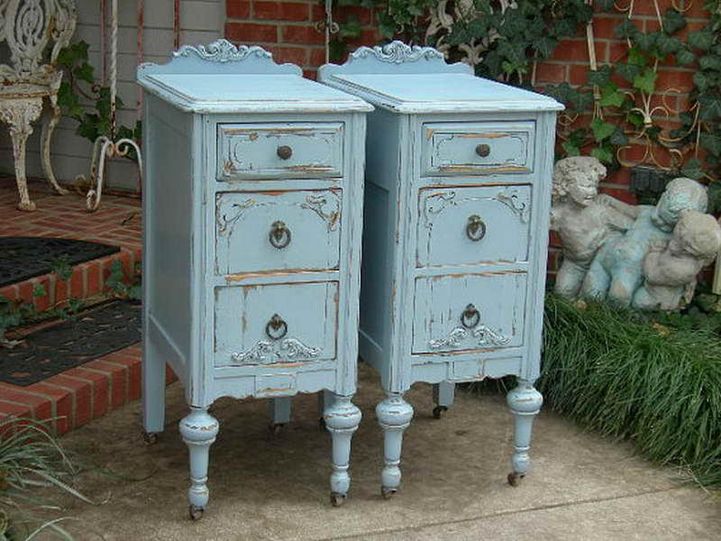 Best Paint for Antique Furniture with Blue Look