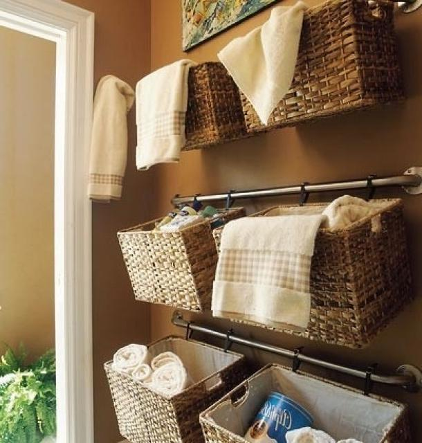 roof rails with wicker organizers
