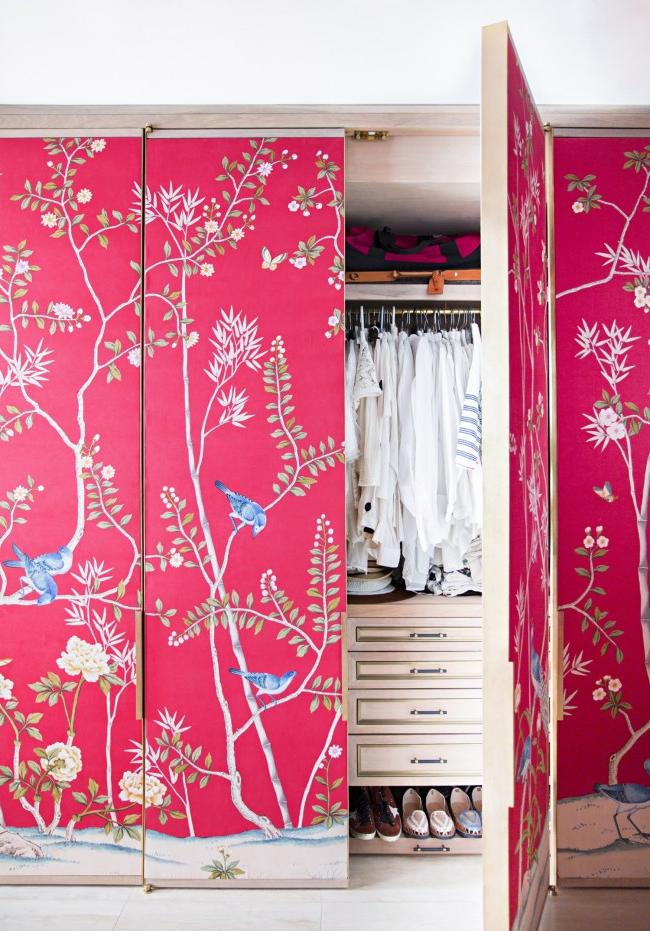 Pasting wardrobe doors with fabric wallpaper