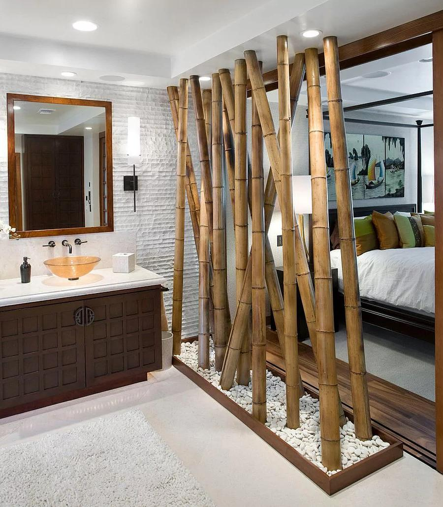 Bamboo partition in the bathroom