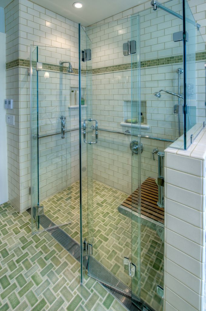 Glass door-accordion for the shower - practical and functional