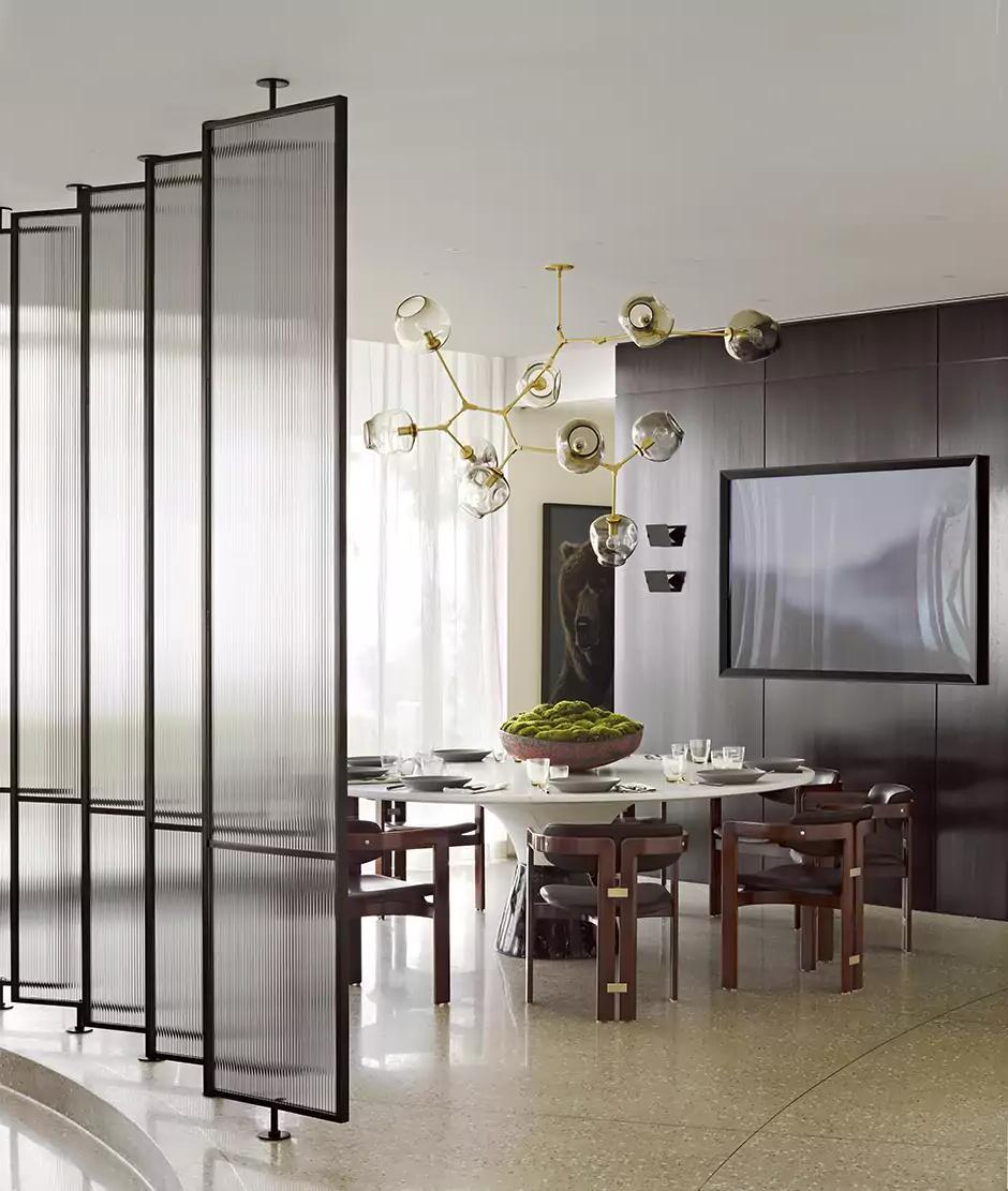 Pendulum partition in the interior