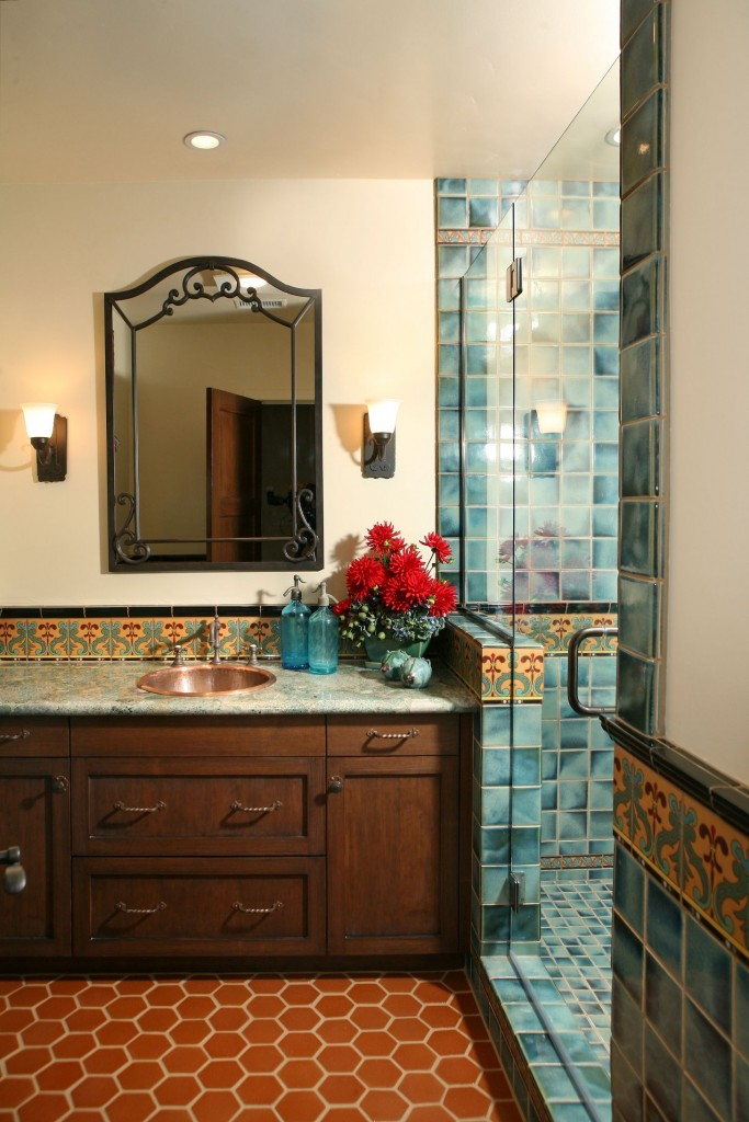 door of glass can fit into the bathroom of any style