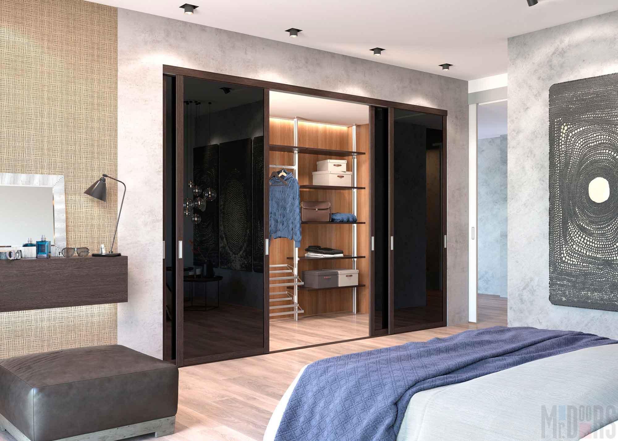 Built-in wardrobe in the bedroom