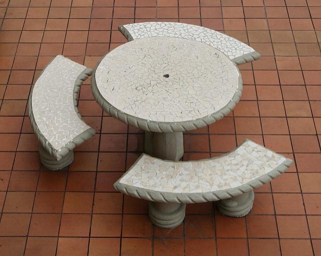 BASIC GARDEN TABLE